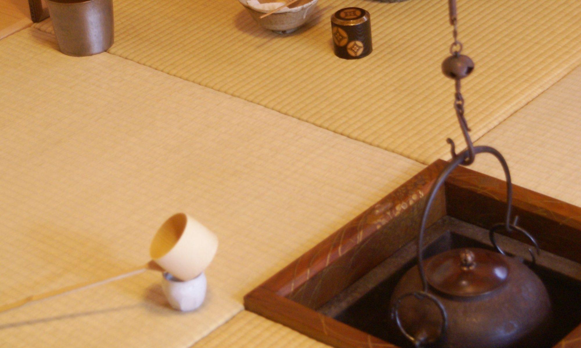 釣釜のある茶席の風景